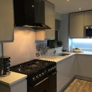 Kitchen in Wombourne - Gloss handle-less