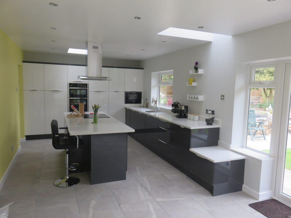 anthracite Inline kitchen - The Gallery