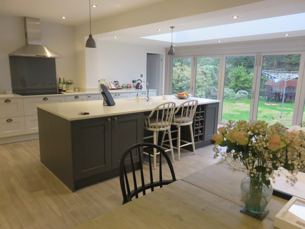 Madison Painted Shaker Kitchen Fitted Kitchen In Wall