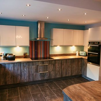 Proudly presenting a recently designed and fitted Pasadena pine kitchen in Gornal, near Dudley in the West Midlands.